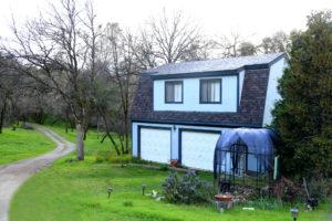 Twelve Oaks Carriage House Feature Image